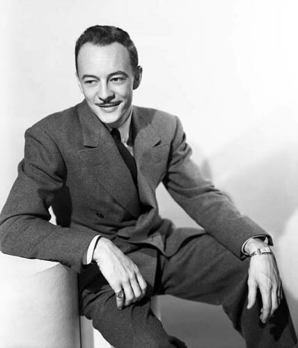 First Nighter star Les Tremayne sitting for a publicity photo