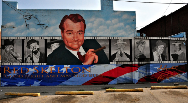 Red Skelton mural in Vincennes, Indiana